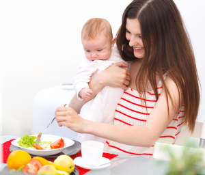 Диета кормящей мамы при запоре